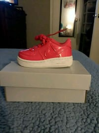 pair of hot pink Nike Air Force 1 low shoes Savannah, 31404