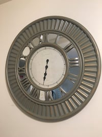 Round gray wall clock Alexandria, 22312