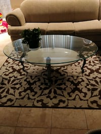 NEGOTIABLE. 3 glass table set.  Montréal, H1E 1S4