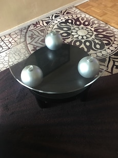 2 pc black wooden base glass top table