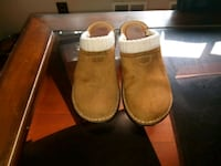 Ugg s/n 1934 size 7 Temple Hills, 20748