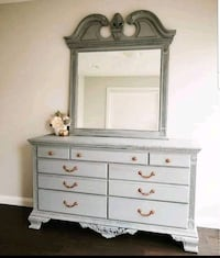 Shabby chic, Refinished, Queen bedroom set  Calgary, T3P 0B1