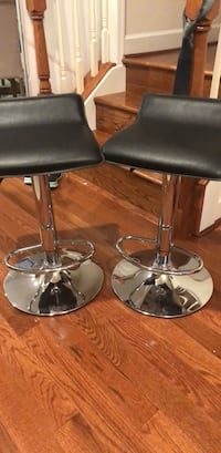 2 barstools available! like new  Herndon, 20171