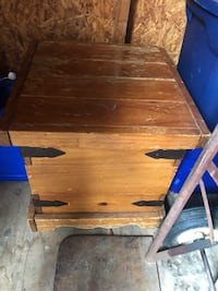 brown wooden drop-leaf table 56 km