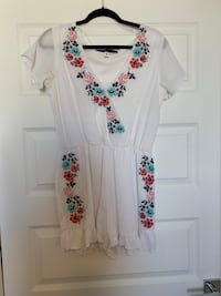 White and red floral romper  San Antonio, 78257