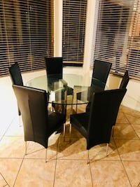 Modern high quality glass table with two black chairs  Las Vegas, 89146