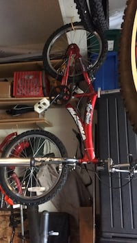 used bike good condition glow up pedals.   good brakes but low. tires. price negitiatable Centreville, 20121