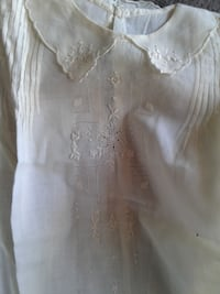 2 Vintage baby dresses approx. 1812 TORONTO