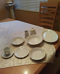 Crown Ming Regent Collection . Service for 8. Exc Tampa, 33615