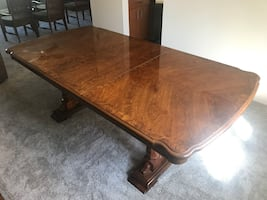 Dining table/China cabinet
