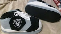 Raiders slippers size large $15 Bakersfield, 93307