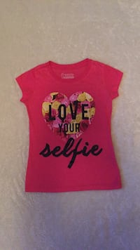 pink love your selfie graphic freeze brand cap sleeve shirt Coquitlam, V3B 7L4