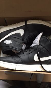 (Negotiable) air jordan 1s mid black and white size 12  Sterling, 20164