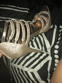 Pair of gold with sparkles high heels Eustis, 32726