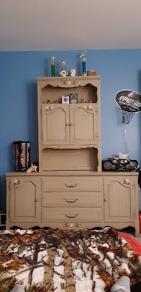Adorable Girl's Bedroom  Furniture null