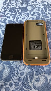 iPhone 5s 16gb with Mophie charging case Portland, 97224
