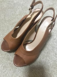 Guess sandals New never worn ! 39 Burnaby, V5A