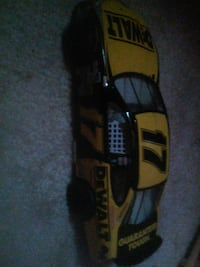 yellow and black die-cast toy car Oskaloosa, 52577