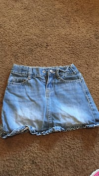 blue-washed denim short shorts