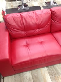 Tufted red leather 2-seat sofa Québec, G1L