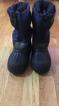 Kids polo snow boots size 10