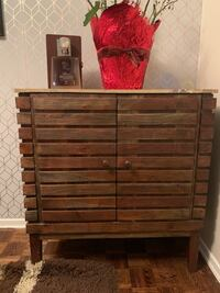 Beautiful wood Dresser! Toronto, M6B 1J9