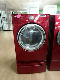 red front-load clothes washer Woodbridge, 22191