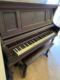Used Classic piano works perfectly fine Montgomery Village, 20886