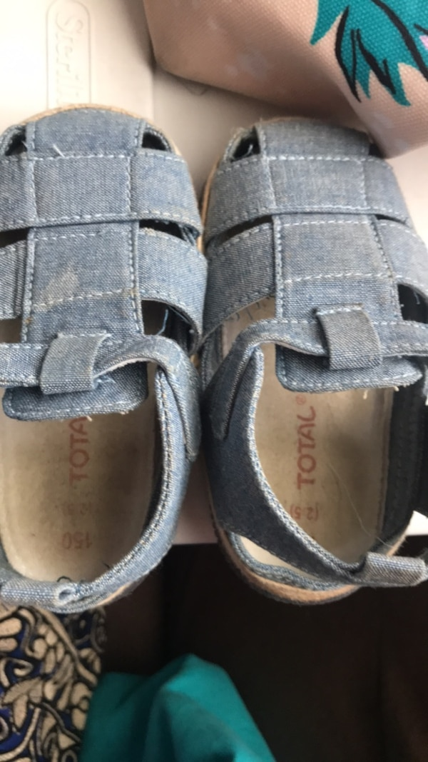 kid boys size 4 Shoes