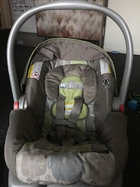 Graco click connect infant carseat  Essex Junction, 05452