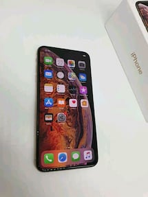 IPhone xsmax 512 gb great condition and unlocked b