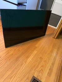 """Sharp 40"""" flat screen tv with wall mount"""