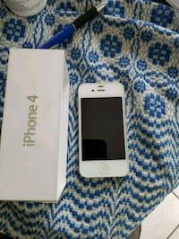 Selling my iPhone 4 it works awesome  Calgary, T2K 5C4