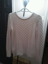 GAP White Top for Women is for sale! McLean