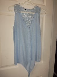 beautiful blue lace top size med $5 Central Okanagan
