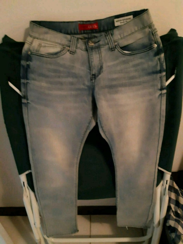 Brand new Guess skinny Jean's size 29x30