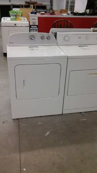Clean Electric Dryer With a Warranty