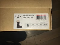 UGGS Plumdale Charm Boots Milford, 01757