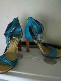 Size 11 turquoise Carlos Santana heels nearly new College Park, 30349