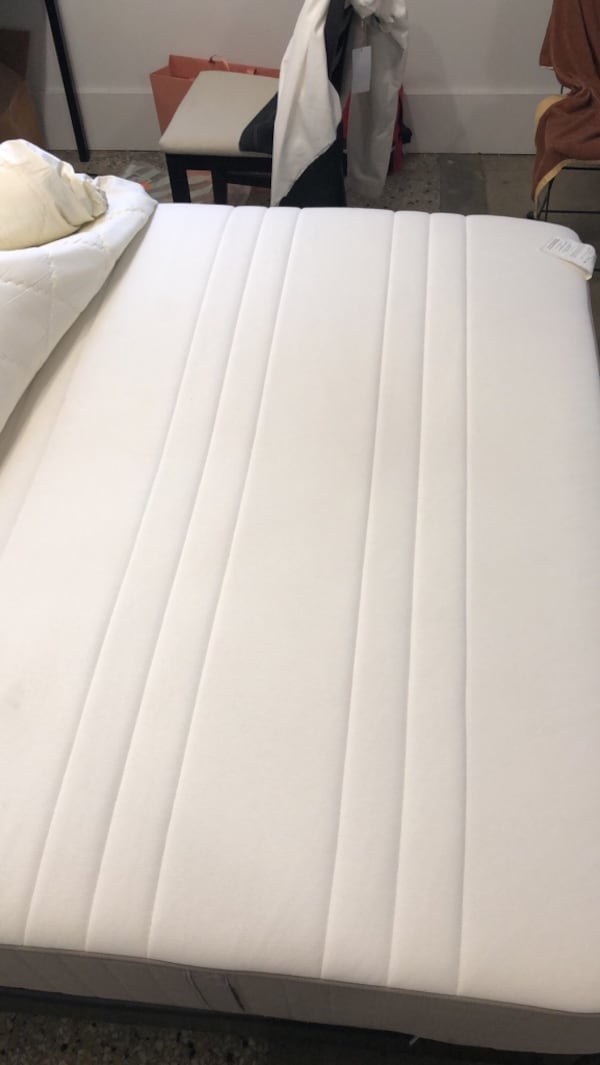 Queen bed frame $120 and mattress $100 (NEGOTIABLE must go in 3 days) 8bc333ce-f69c-4df1-abbc-0fc610b58e31