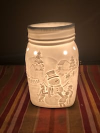 SCENTSY LET IT SNOW FULL SIZED WARMER North Dumfries, N0B
