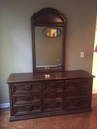 Dresser with mirror Fort Mill, 29715