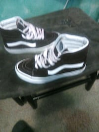 Vans of the wall. size 5 Lancaster, 93534