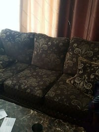 black and brown floral fabric loveseat Toronto, M1G 2B7