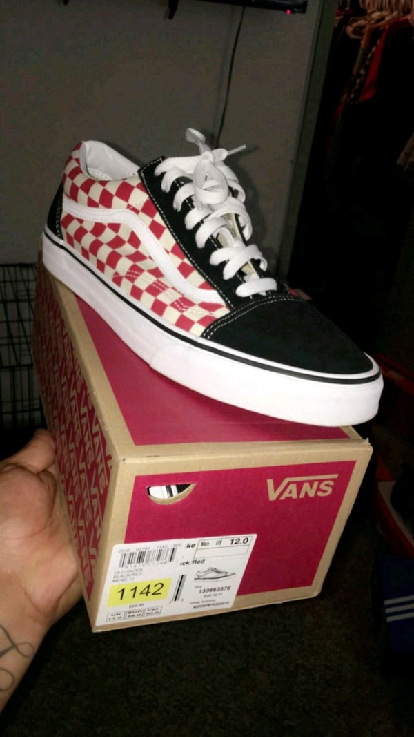 d97e4ec8ee08e Used unpaired red and white Converse All Star high top sneaker for sale in  Arlington - letgo