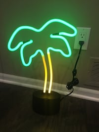 Neon Glass Light - Palm Tree - New