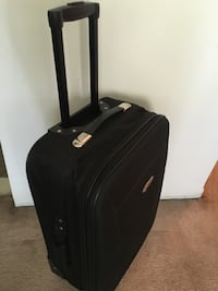 Carry on size luggage bag  Mississauga, L4Y 2A6