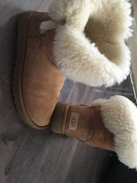 Uggs Bailey boots size 6 PICK UP POINTE CLAIRE ONLY!