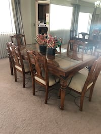 Oak Dining Table $649.00 OBO Bakersfield, 93309