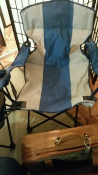 blue and black camping chair Longueuil, J4K
